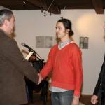Starosta města blahopřeje Josefu Divínovi, jednomu ze čtyř finalistů